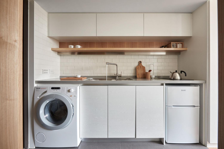 Tiny Studio Apartment Kitchen