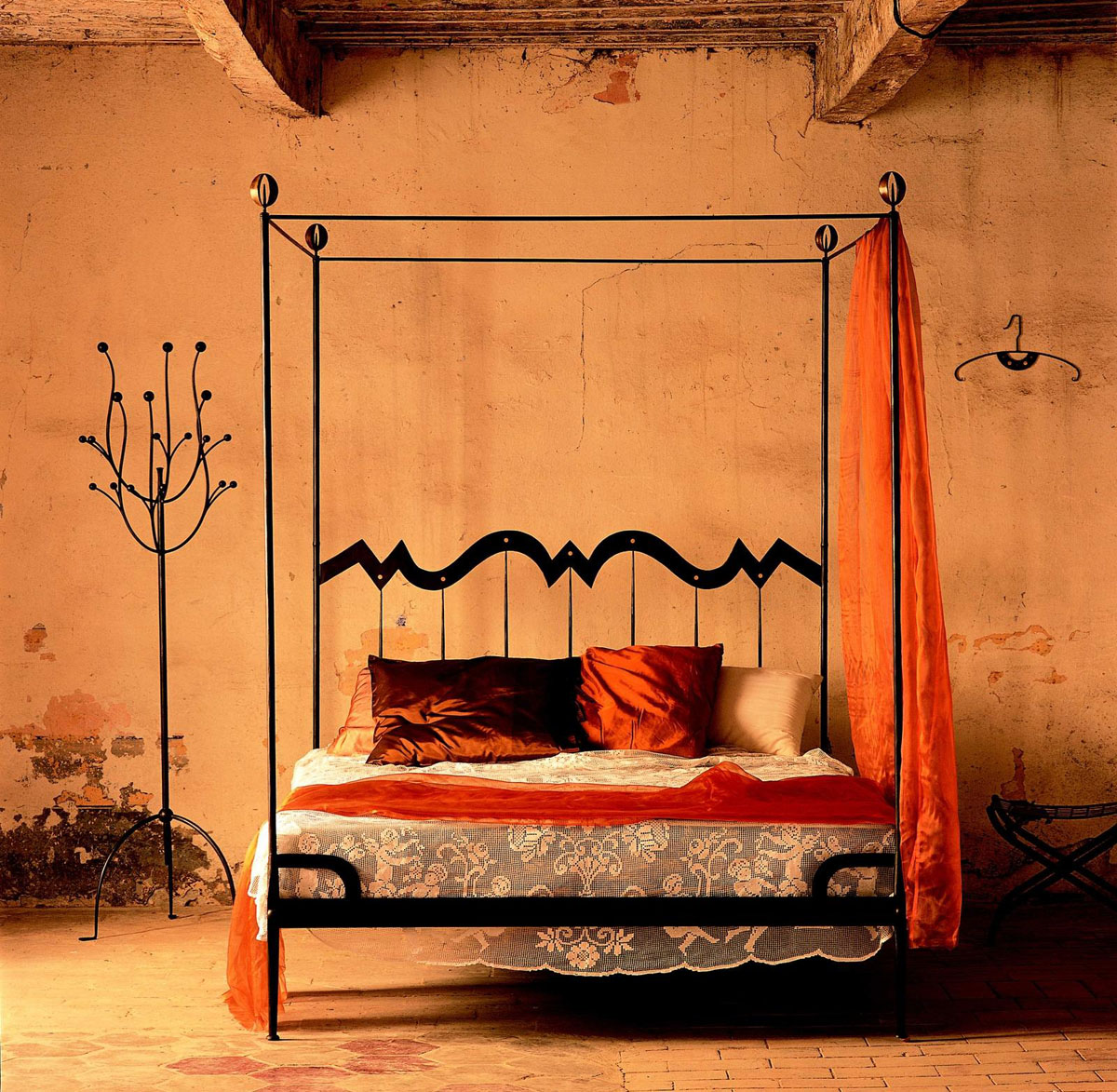 Bedrooms idesignarch interior design architecture for Old world style beds