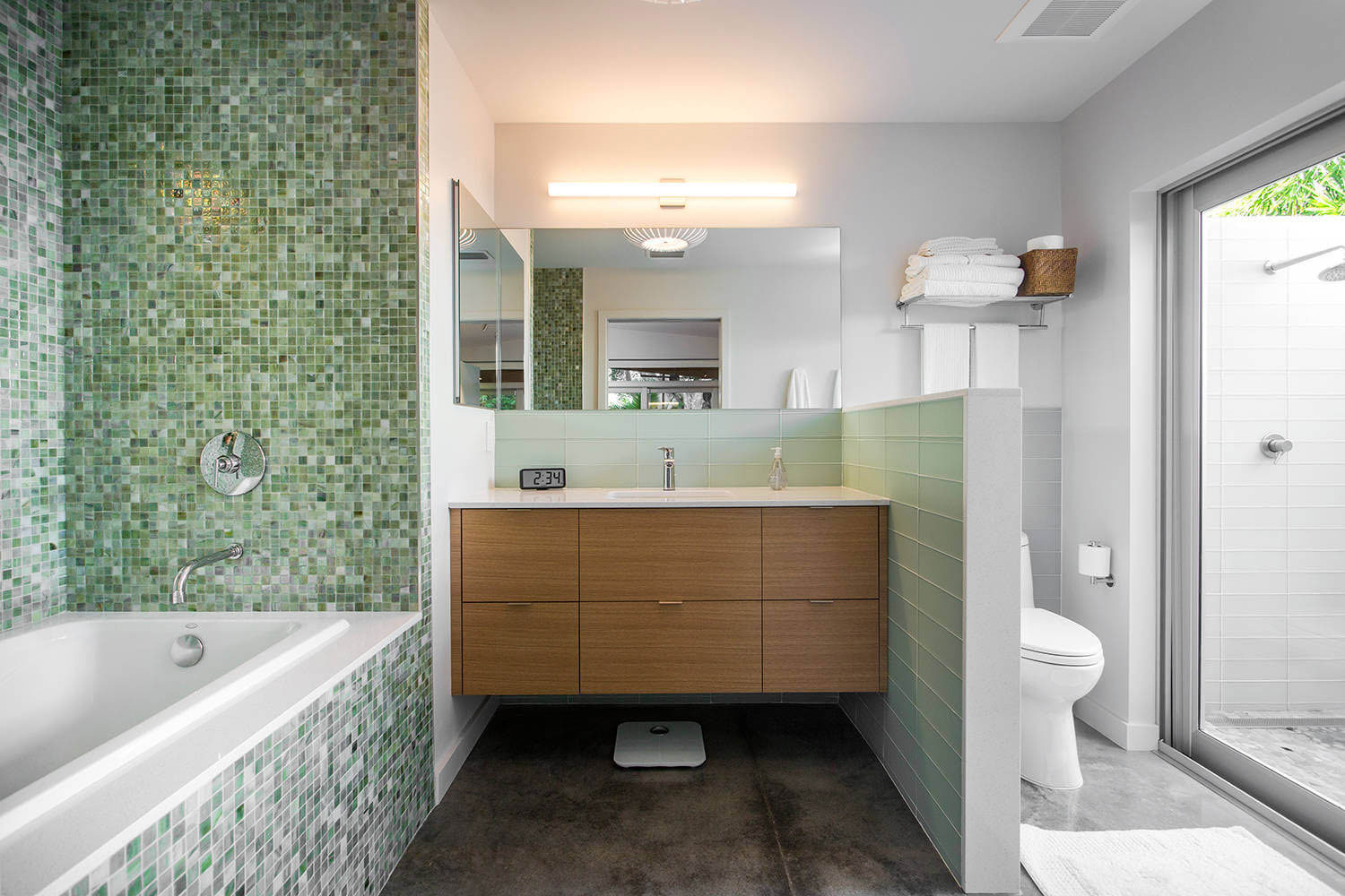 Tastefully decorated modern home with mid century for Bathroom remodeling venice fl