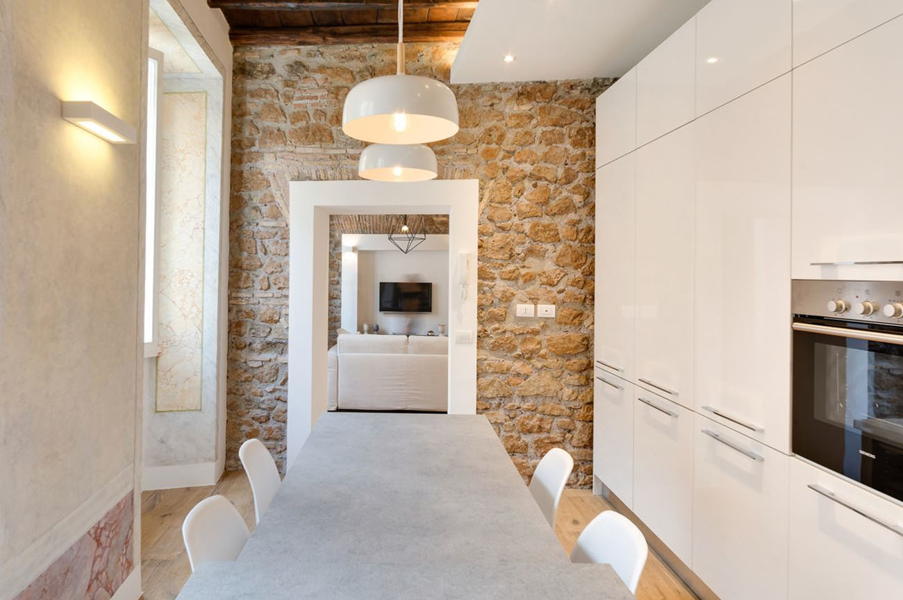 Charming apartment in rome with old wood structure and for Apartment design rome