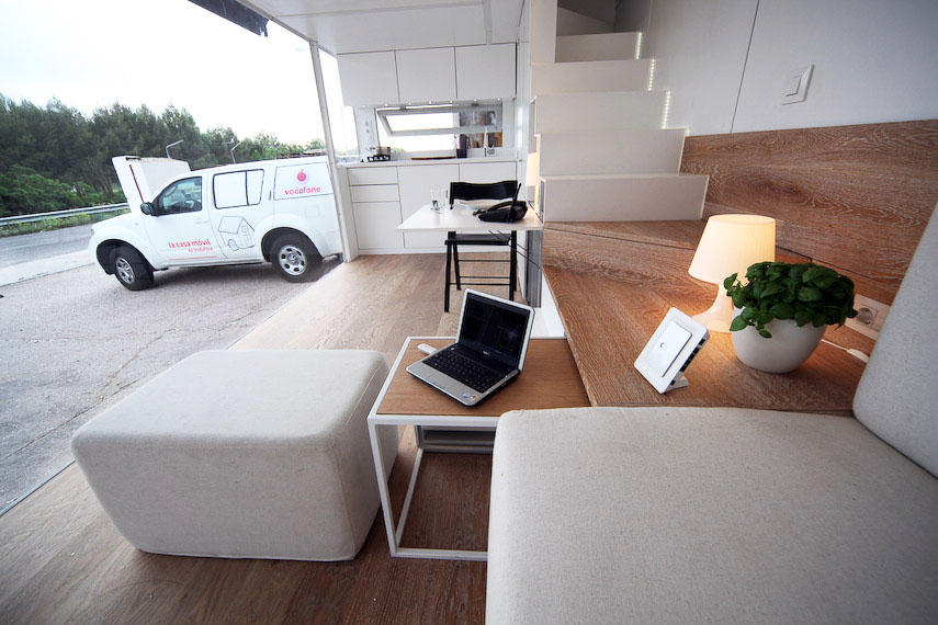 Modern Tiny House Interior: Solar-Powered Vodafone Mobile Tiny House