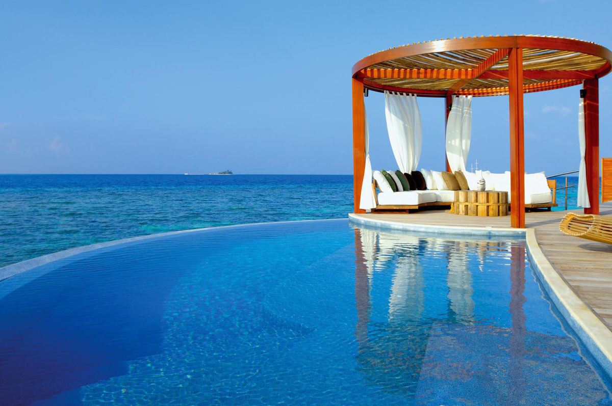 the exotic w retreat spa maldives with luxury bungalows
