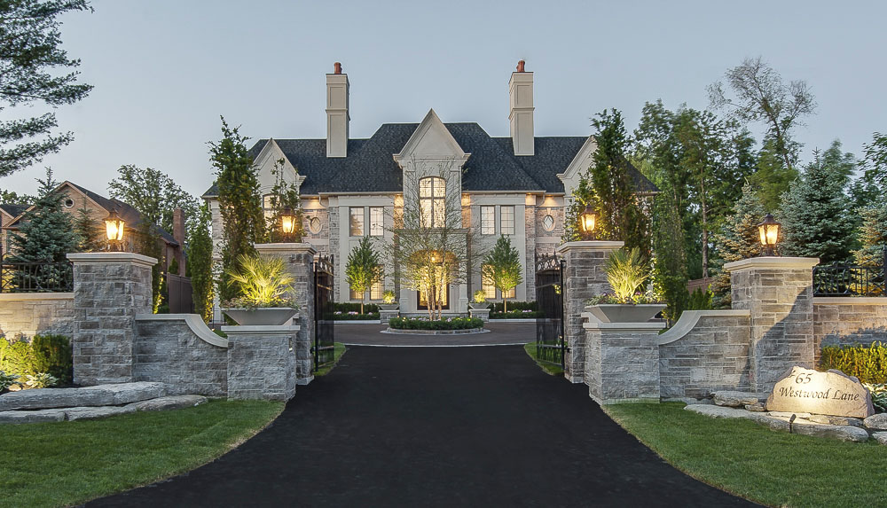 Luxury millionaire mansion with impeccable architecture for Richmond hill home builders