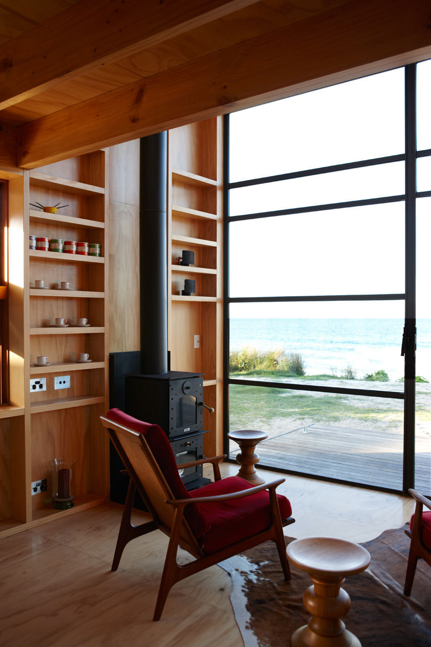 Whangapoua movable beach hut on sleds idesignarch for Beach hut style interiors