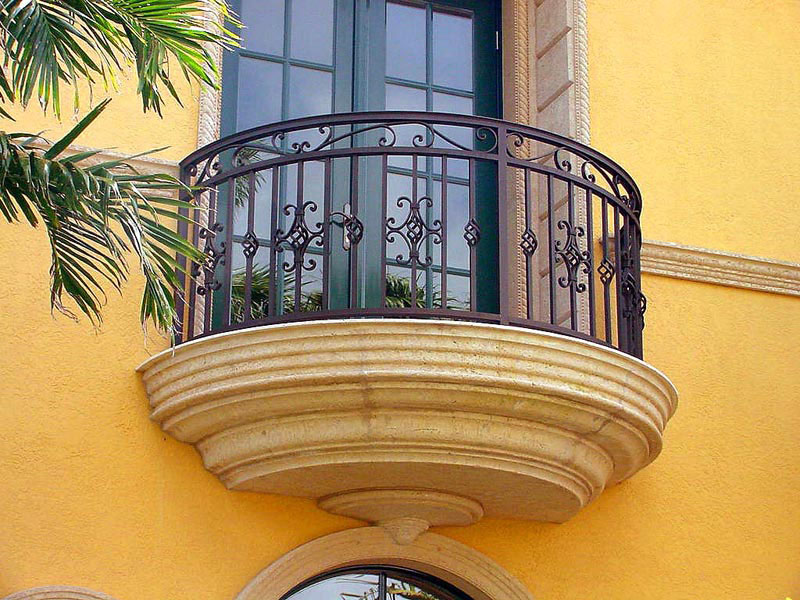 Wrought iron balconies with architectural appeal for Balcony french