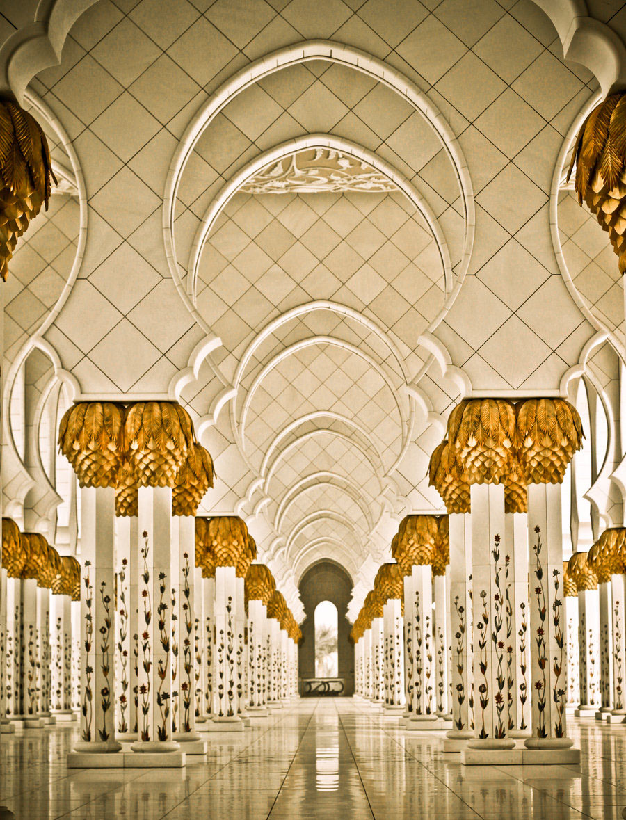 Sheikh Zayed Grand Mosque Abu Dhabi on luxury apartment interior design