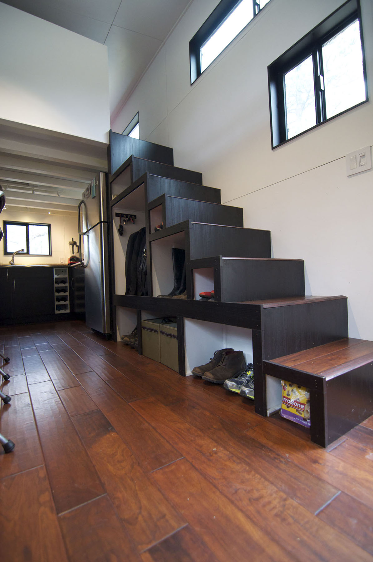 Elegant Minimalist Tiny House On Wheels With Staircase ...