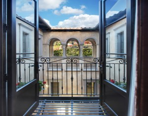 Elegant Home with Italianate Architecture