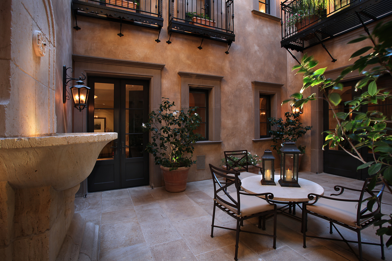 Cozy Inner Courtyard
