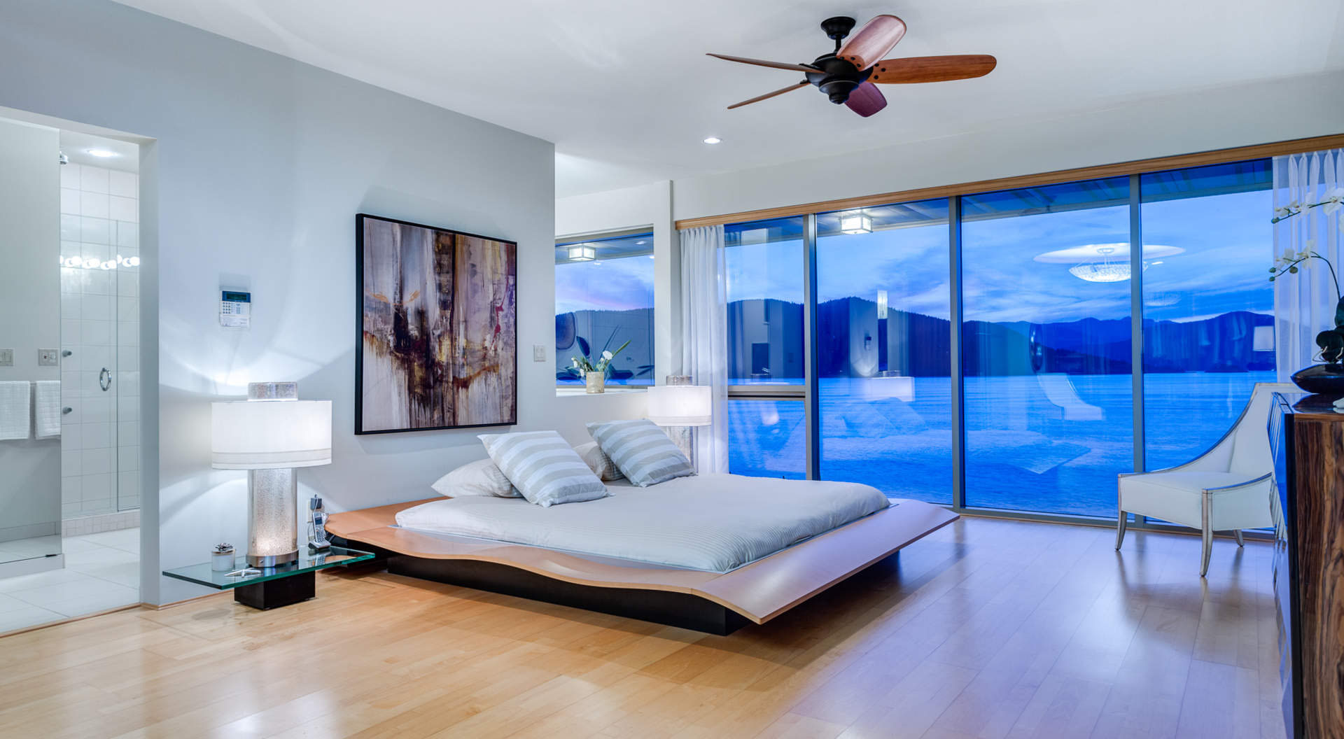 Contemporary Oceanfront Bedroom