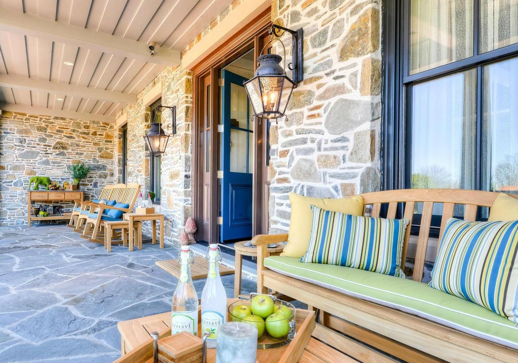 Elegant Rustic Patio with Stone Wall