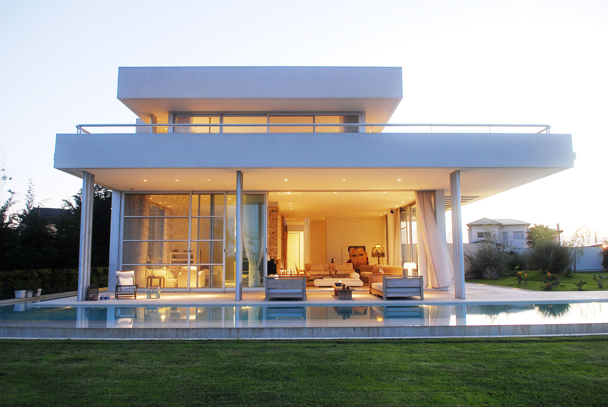 Modern House in Buenos Aires Argentina