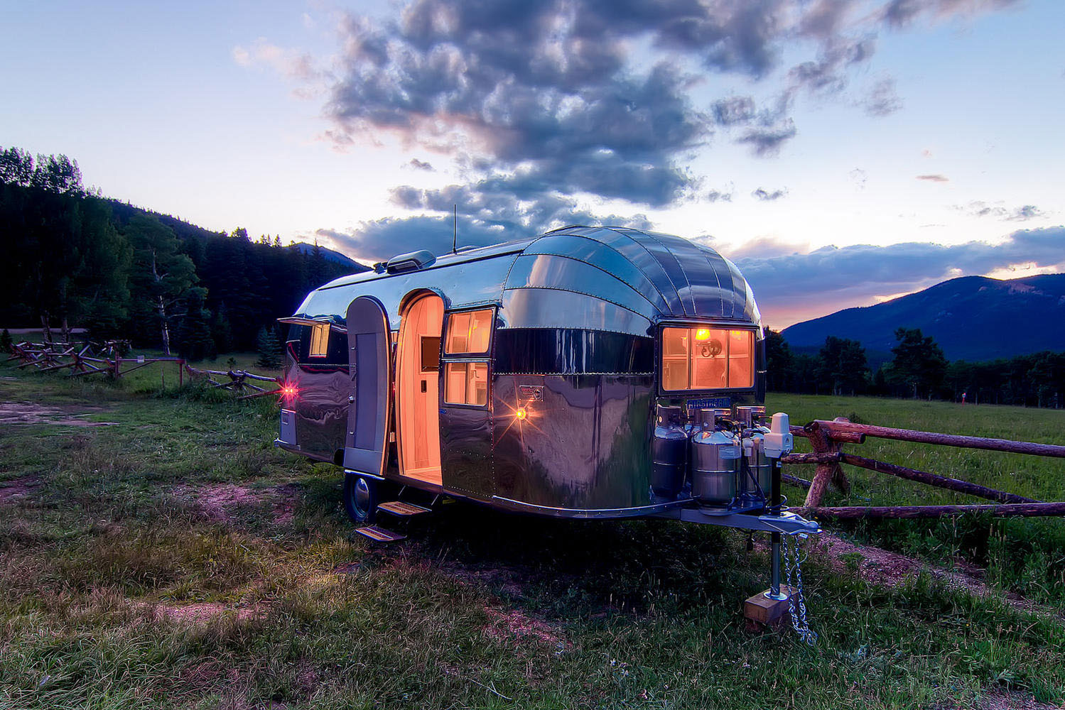 Airstream Flying Cloud Mobile Home | iDesignArch ...