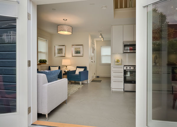 Warm And Inviting Small Laneway House With Modern Custom Interiors ...