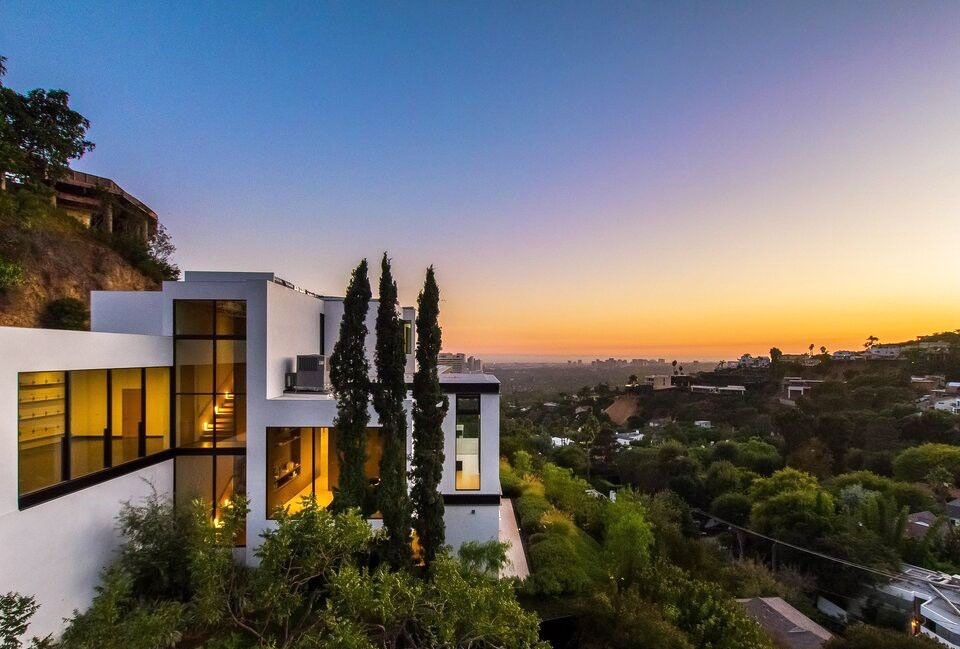 Ariana Grande Los Angeles House Sunset View
