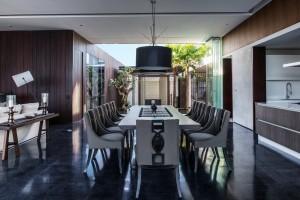 Balinese Style Interior Decor