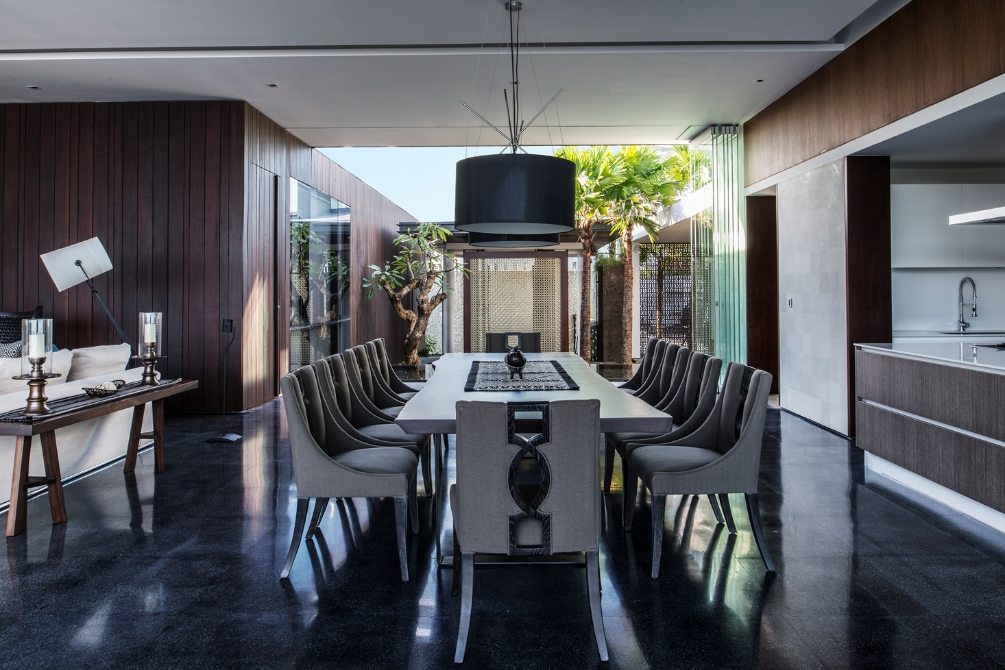 Modern Decor Ideas For Homes: Modern Resort Villa With Balinese Theme
