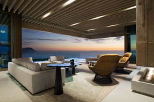 Breathtaking Ocean View House of Hill Top