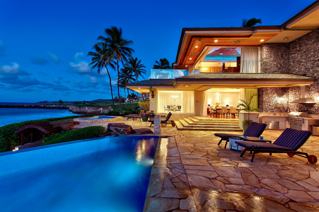 Beachfront-Estate-Maui