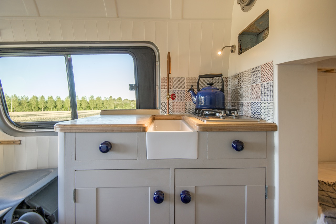eceb744977 Related Posts. This Tiny Luxury Mobile Home ...