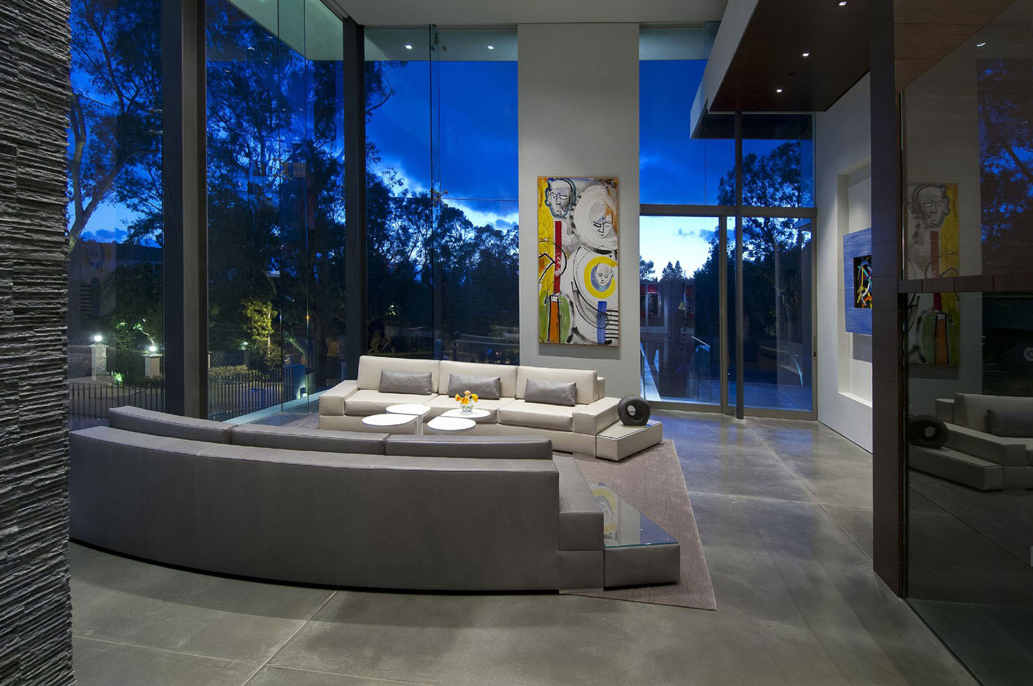 Eco Friendly Modernist Luxury Mansion In Beverly Hills