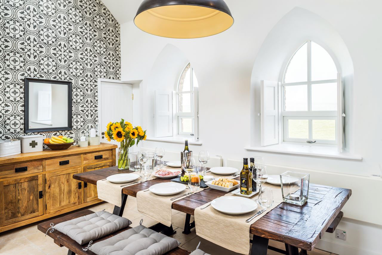 Country Holiday Cottage Dining Room