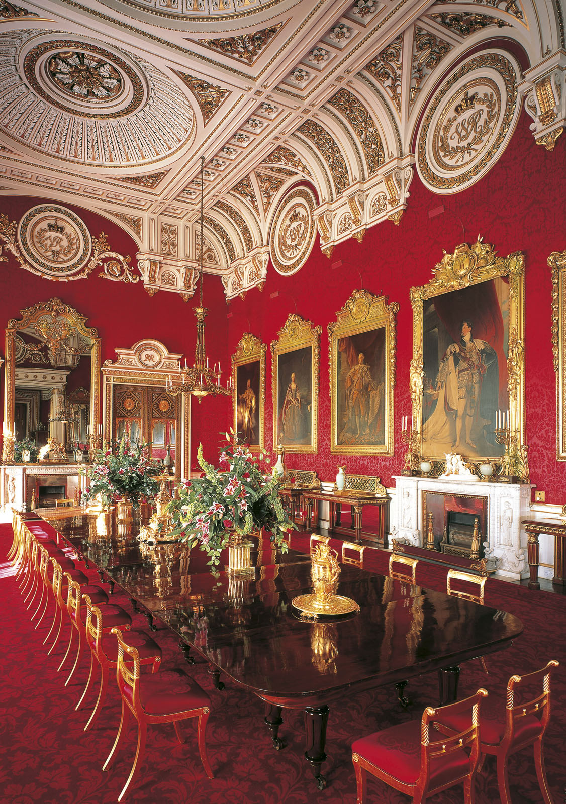 Mansion Drawing Room: Inside Buckingham Palace