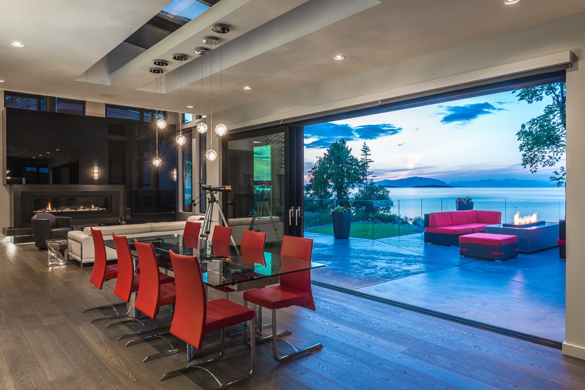 Modern Home with Ocean View Dining Room