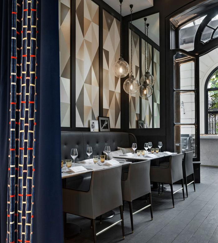 Elegant Paris Restaurant
