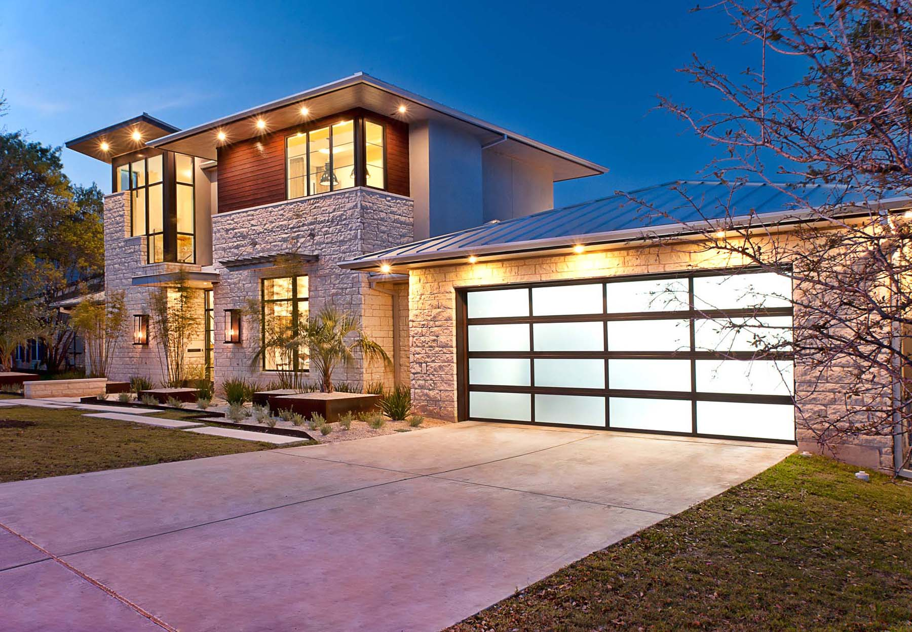 Austin texas contemporary house design stylish outdoor entertaining space