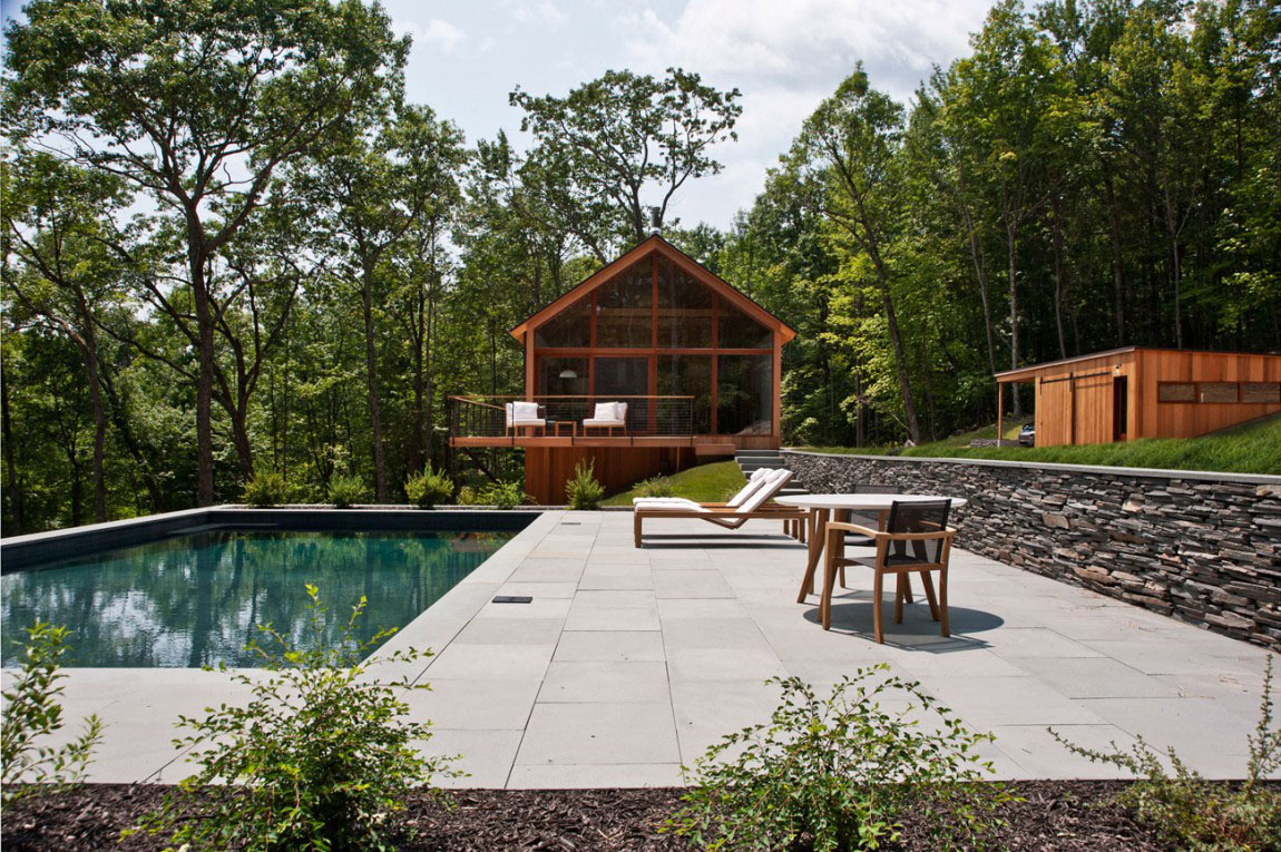 Modern Catskills Mountain Home Blends With The Natural