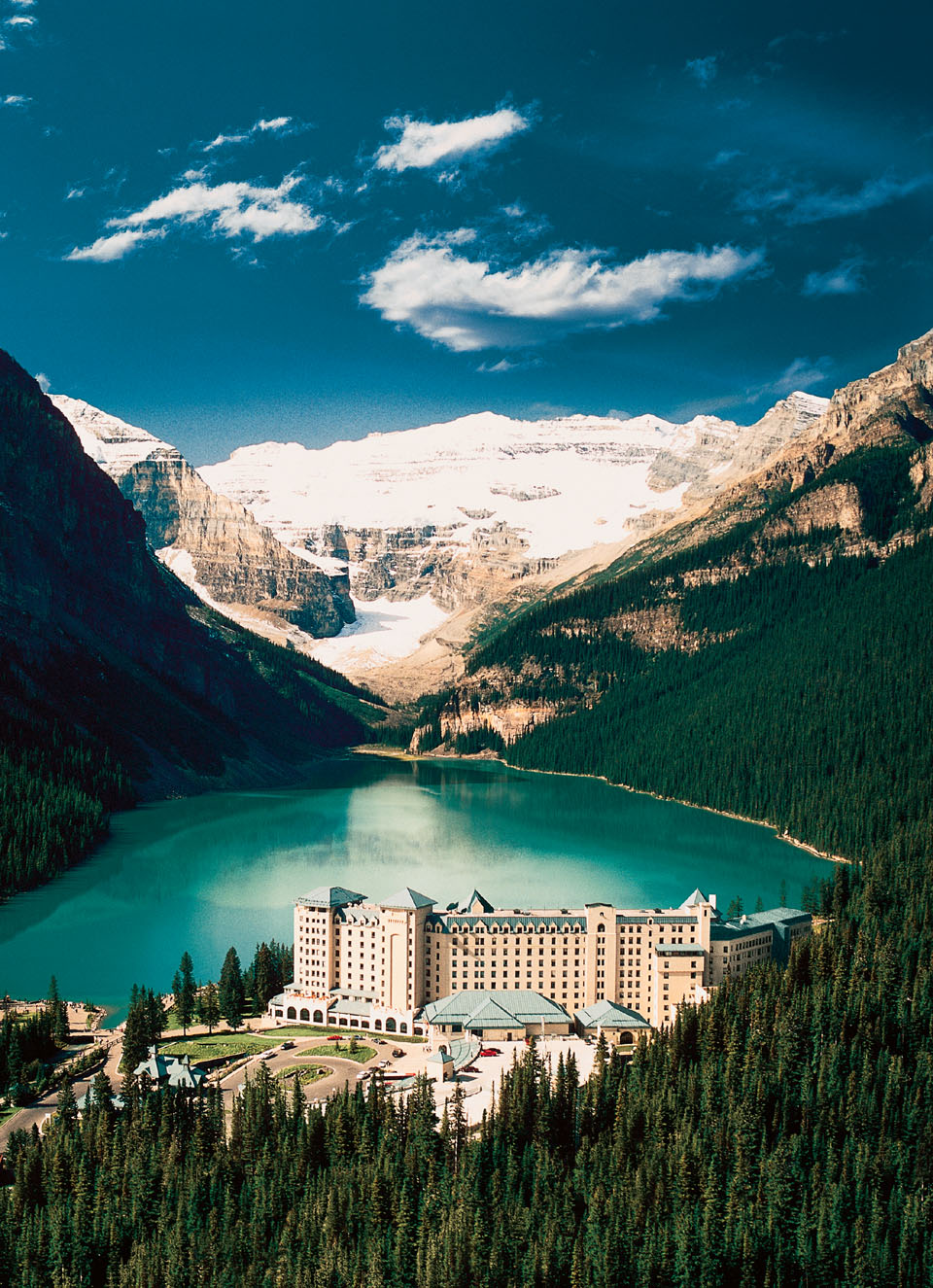 Mountain Paradise At Chateau Lake Louise Idesignarch