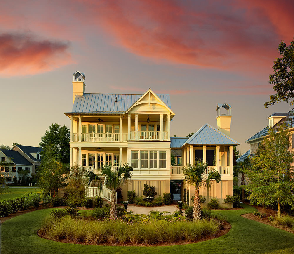 Mediterranean Homes Designs: Classic-Cottage-Style-Coastal-Home-Charleston-South-Carolina_5