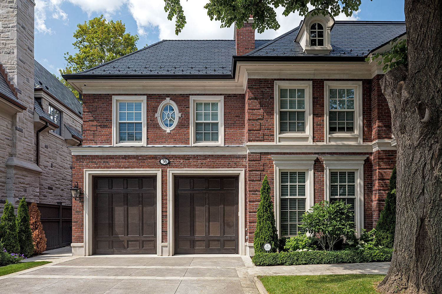Luxury Two-Door Garage House