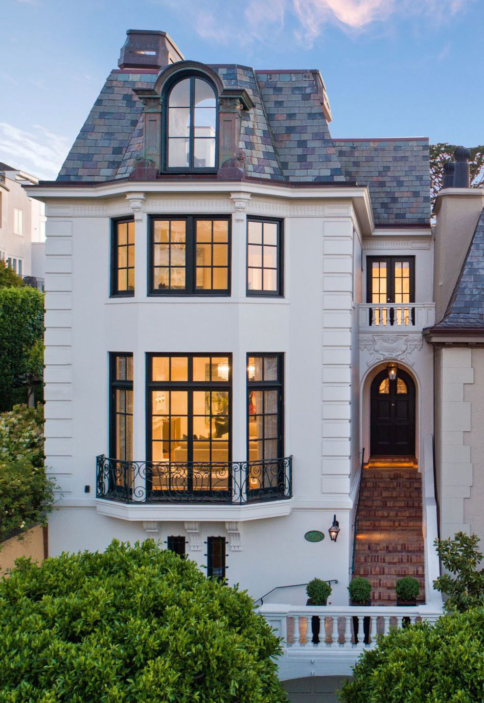 Contemporary Transformation Of A Beaux Arts Style Home In