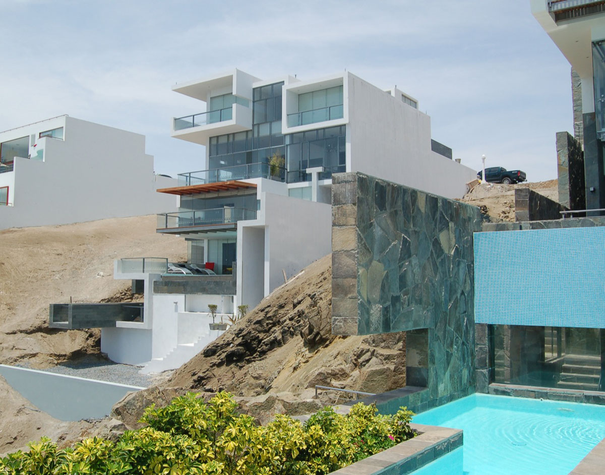 Contemporary beach house with terraces
