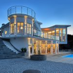 Waterfront Villa Features State-of-the-Art Architectural Design with Roof Terrace