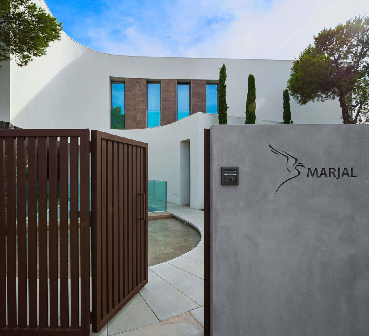 Contemporary Mediterranean Luxury Interior Designs: Modern Mediterranean Home Inspired By Its Physical And