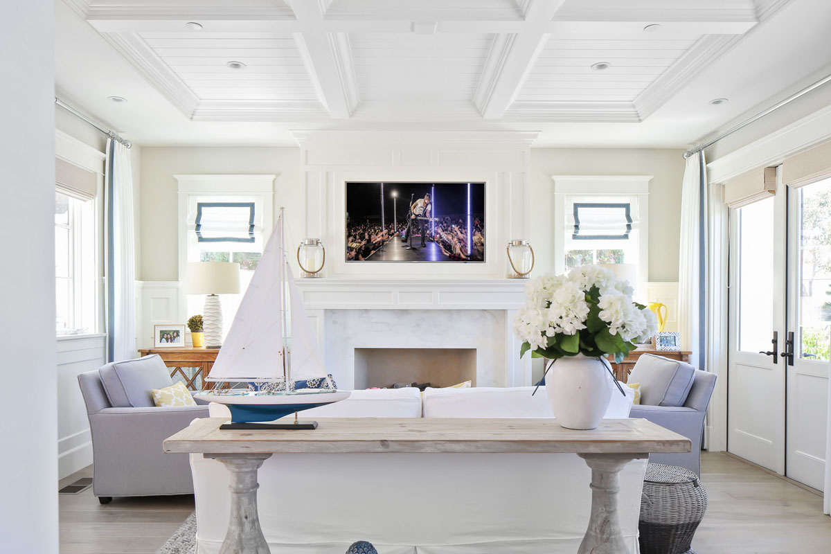 Classic Contemporary White Living Room with Marble Fireplace and White Panel Ceiling