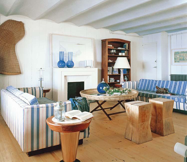 Rustic Spanish Style Sea Island House: Mediterranean Beach House On The Costa Brava