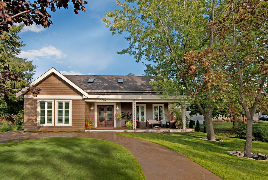 West coast cottage style bungalow home in british columbia - What is a bungalow style home ...