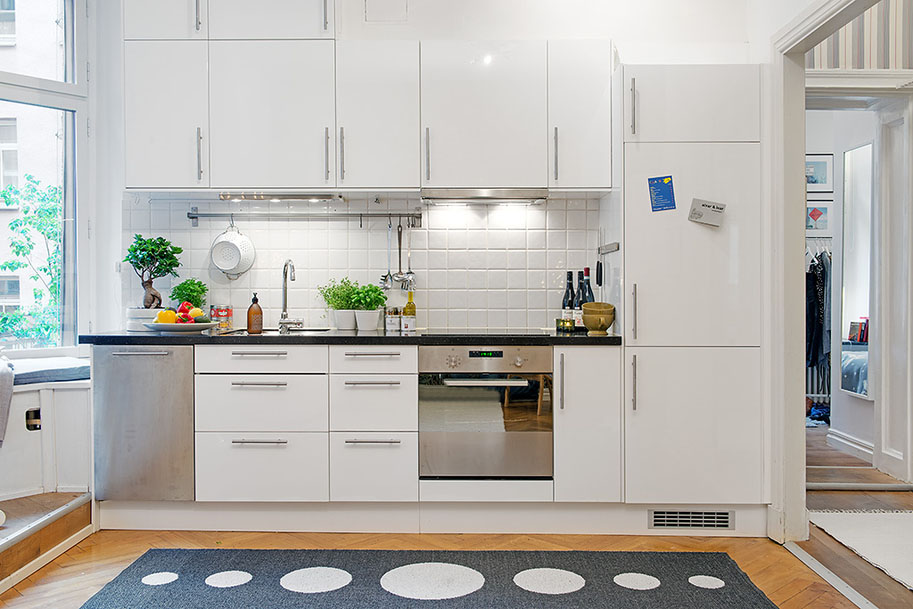 Minimalist Small White Kitchen