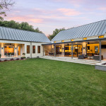 Estate-Like Modern Farmhouse In Texas