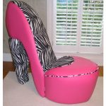Funky Diva Shoe Chairs!