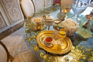 Trump-Penthouse-Breakfast-Table