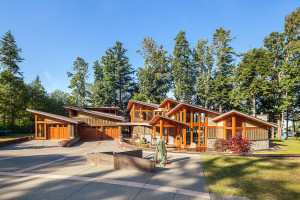 Luxury Coastal Home Design