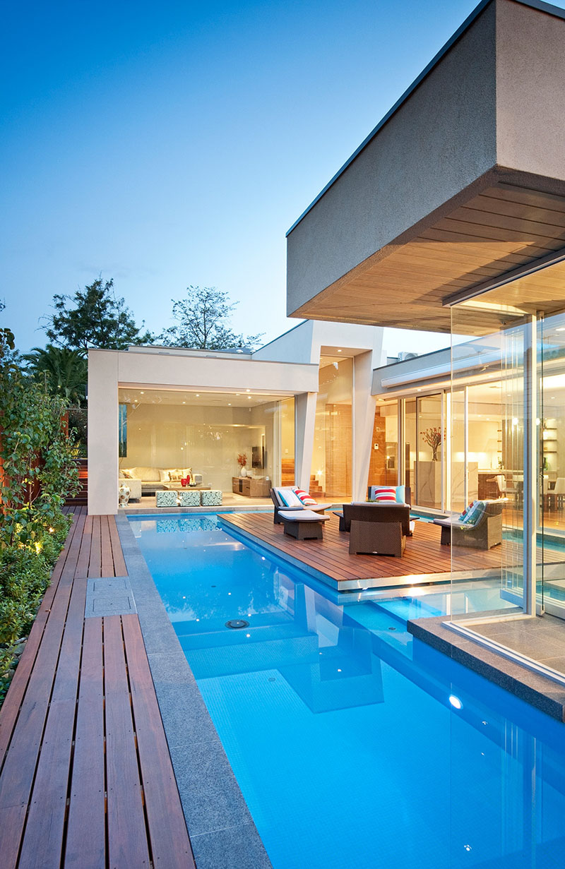 Elegant Modern Home With Integrated Swimming Pool Australia 14