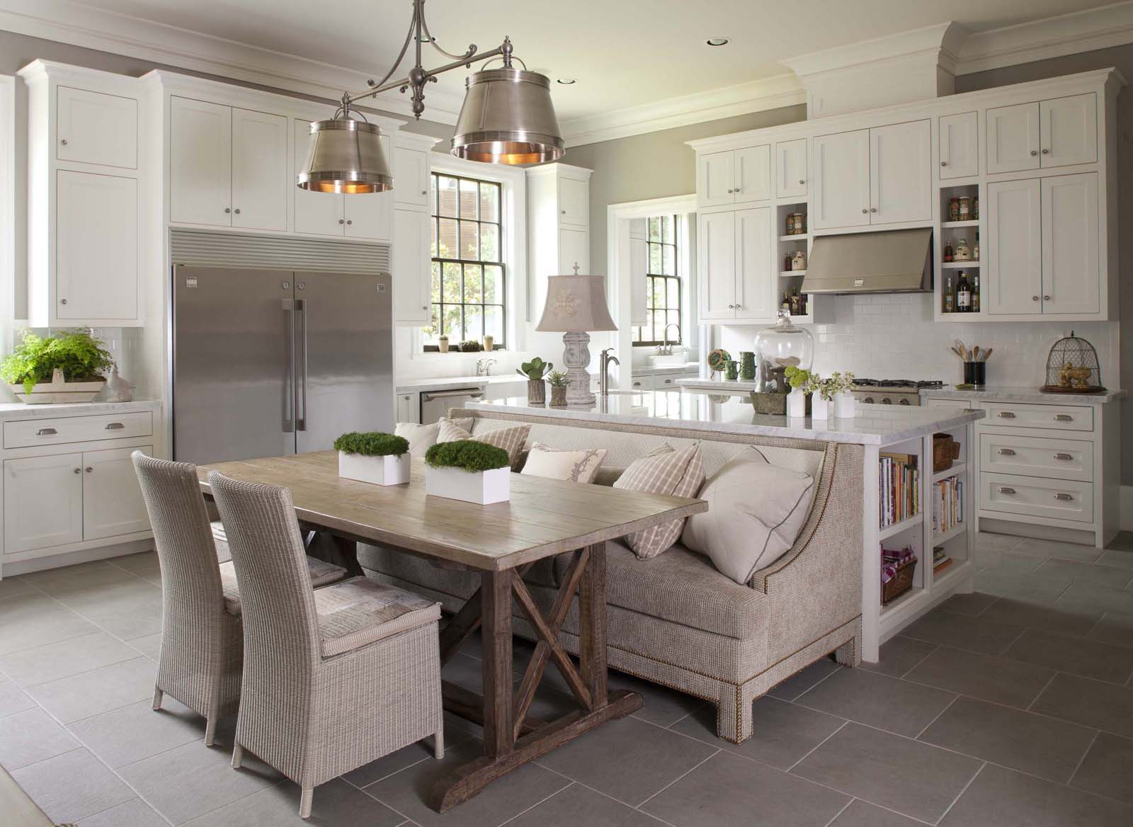 Elegant Simplicity of Classic Contemporary White Kitchen