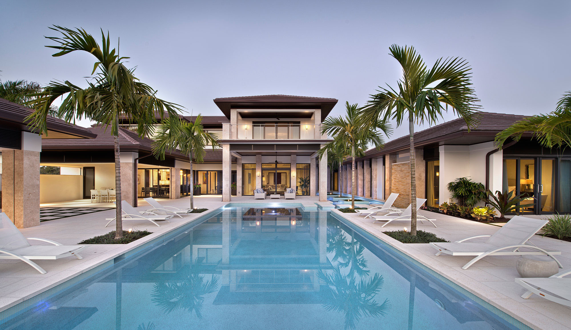 Contemporary luxury home with swimming pool