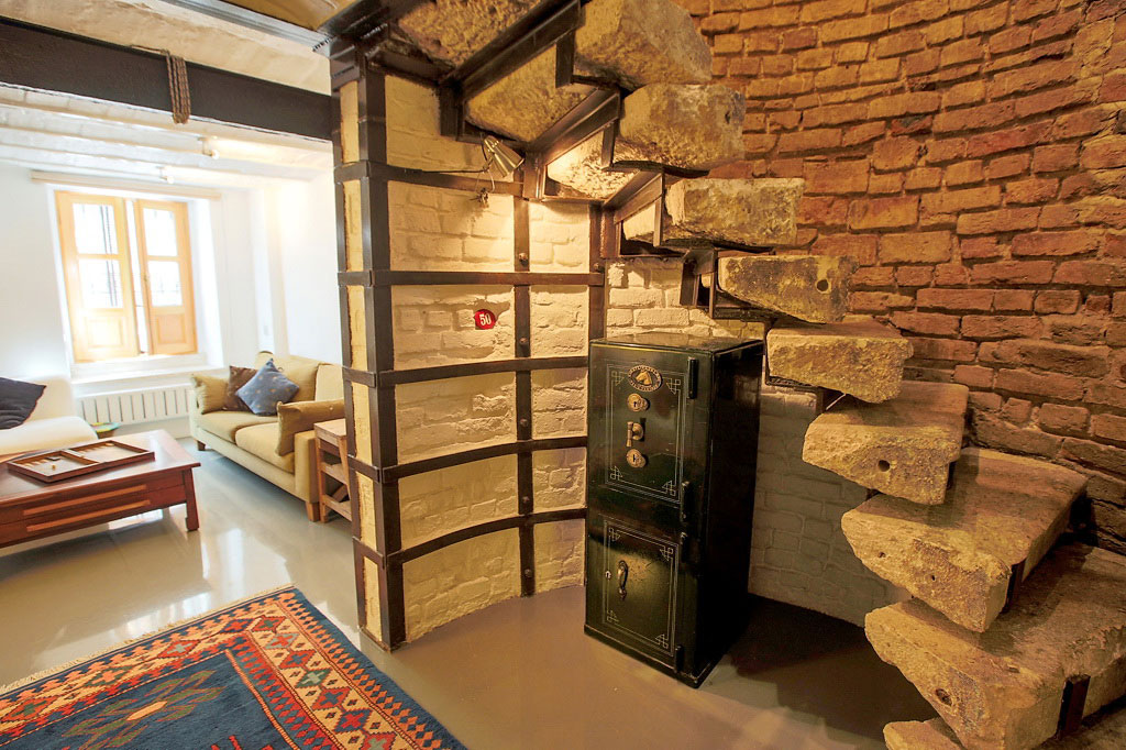 Apartment with historical stone stairs